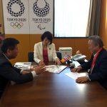 H29.1.11全理連 大森理事長とともに、丸川東京オリ・パラ担当大臣へ選手村での理美容室開設の陳情に行きました。(平成29年1月11日 内閣府)
