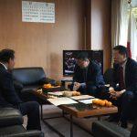 二階幹事長への障害者による文化芸術活動の推進に関する法案説明(平成28年11月15日党本部)