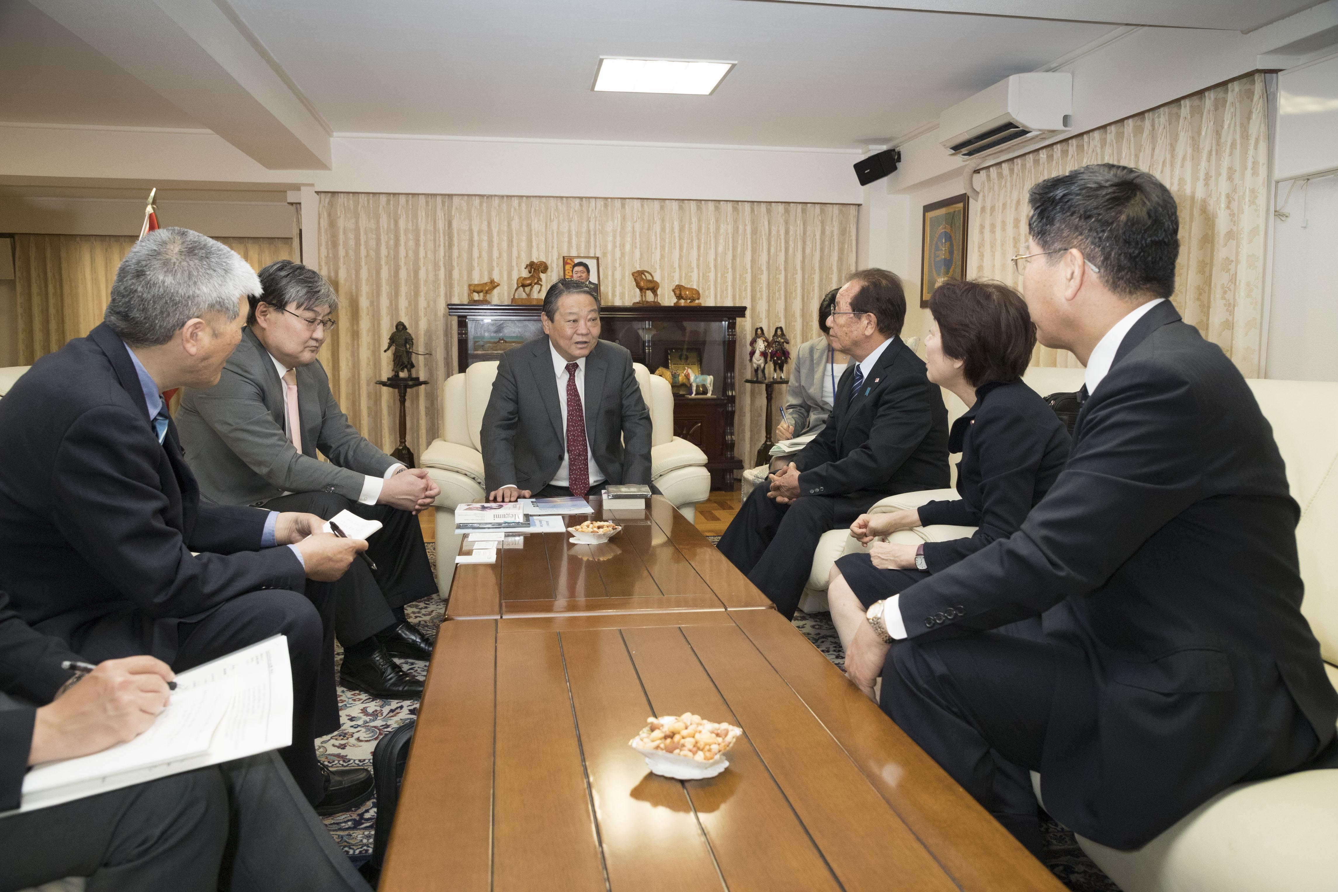 拉致問題対策本部 モンゴル大使館訪問2